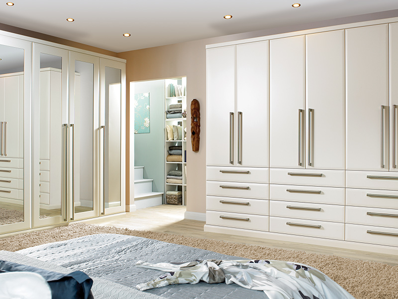 Lloyds Ascot Oyster Bedroom